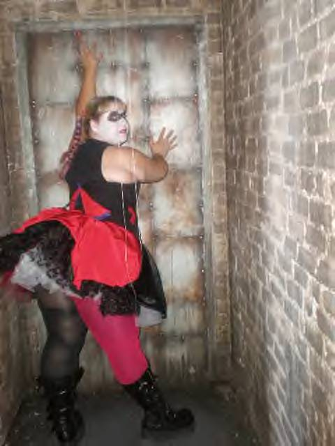 how to make a homemade harley quinn costume